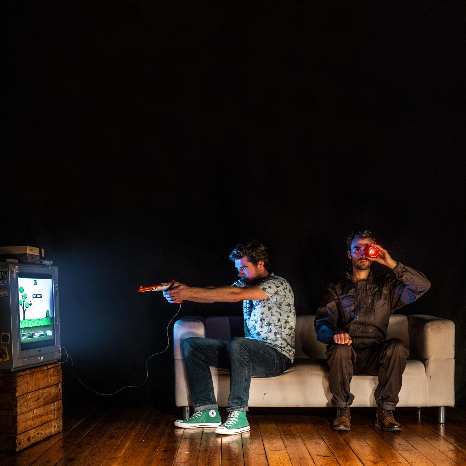lauréat label 2021 pourquoi jessica a-t-elle quitté brandon les deux comédiens sont assis dans un divan crédit photo Lionel Devuyst