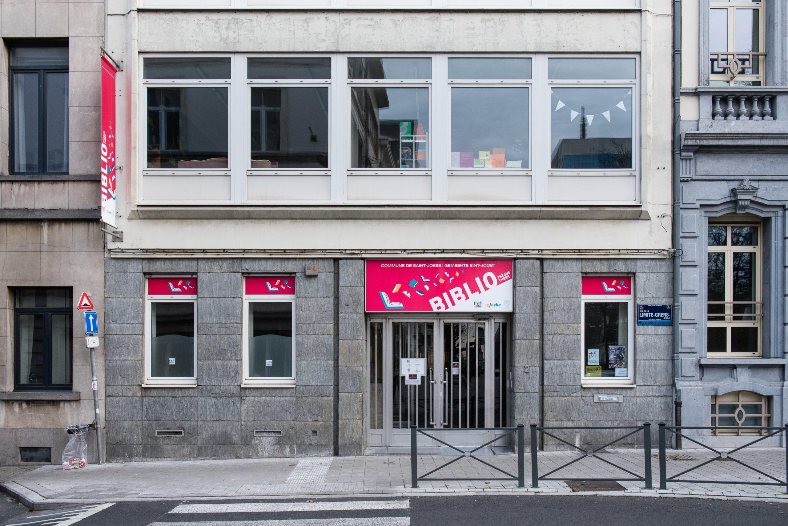 Bibliothèque – La Barricade 1210 Saint Josse